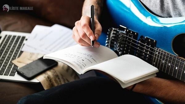 Şarkı Sözü Nedir, Nasıl Yazılır?